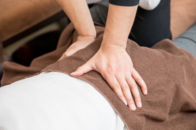 身体に負担を与えない優しい施術で症状を改善
